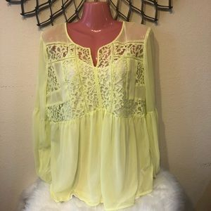 Stylus | Lime Green Floral Lace Flowy Top | Size L